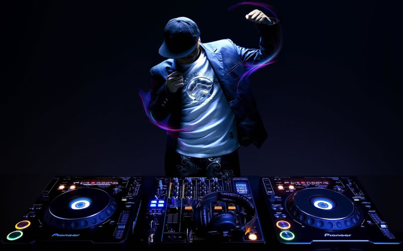 DJ Kav