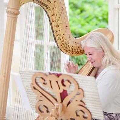 Xenia Horne - Harpist | Classical | Steve Allen Entertainments Peterborough