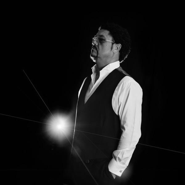 Tony G as Tom Jones