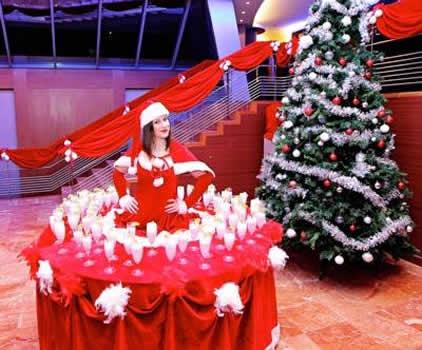 CHRISTMAS LIVING TABLES